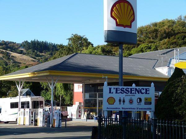 Un peu de chez nous - Station essence porte des postes lille ...